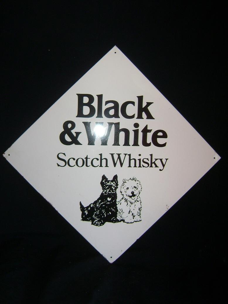 Reklama_limena_Black_i_White_Whisky_1.jpg