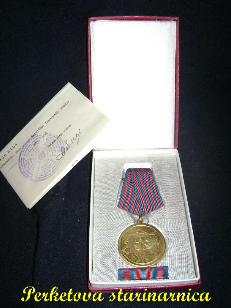 Medalja_rada_komplet__1.jpg