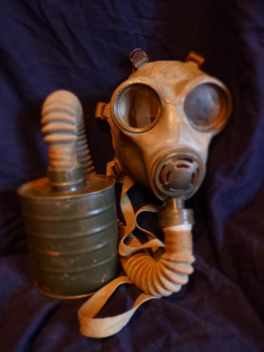 Gas_maska_M-52_1.JPG