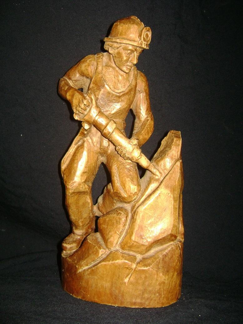 Rudar_skulptura__1.JPG