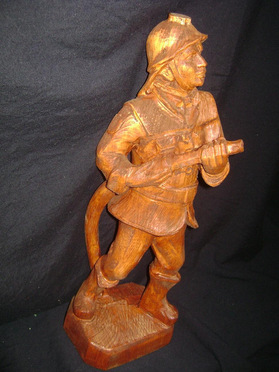 Skulptura_Vatrogasac_1976_1.JPG