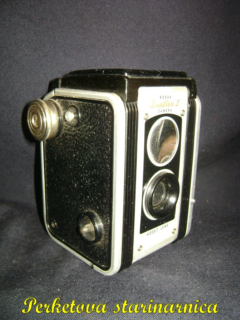 Kodak_Duaflex_II_kamera_2.jpg