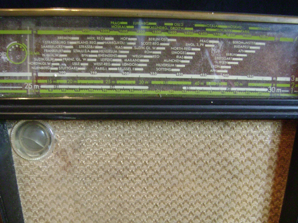 Philips_Sirius_radio_4.JPG