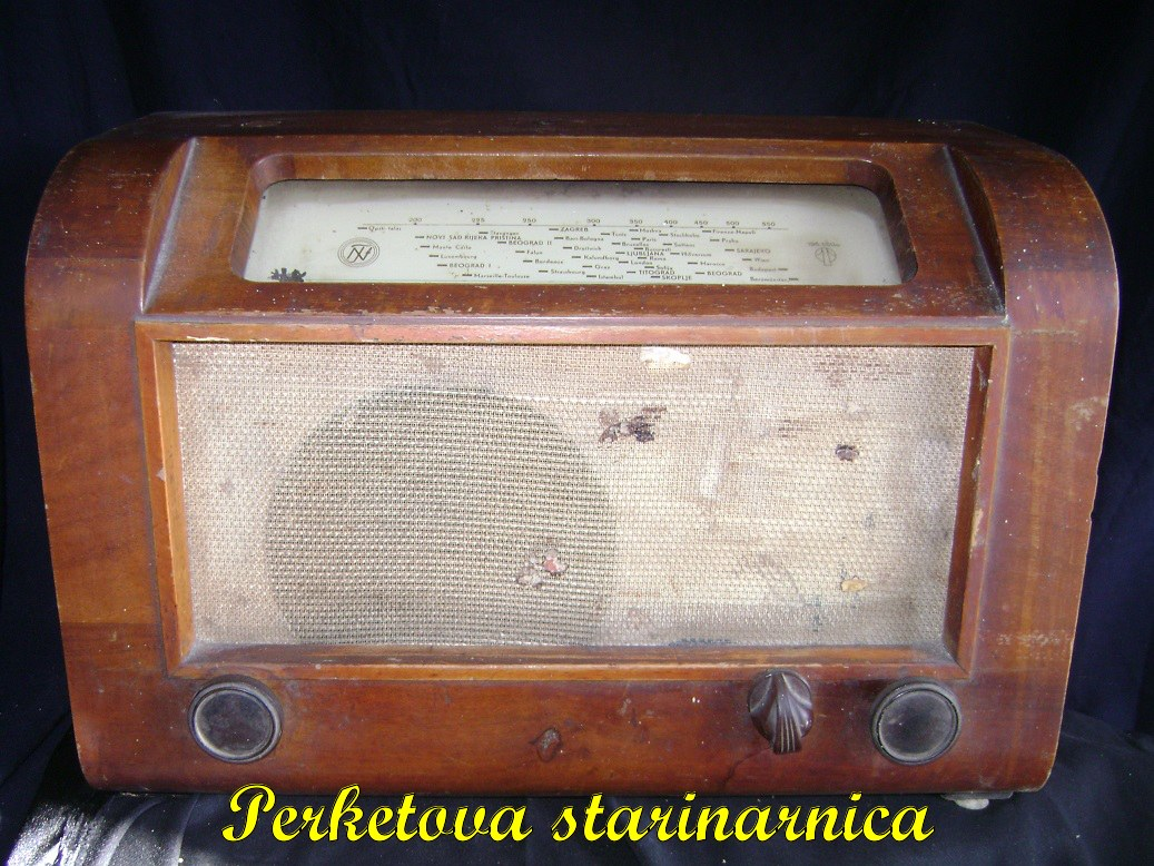 Tesla_51_stari_radio_1.jpg