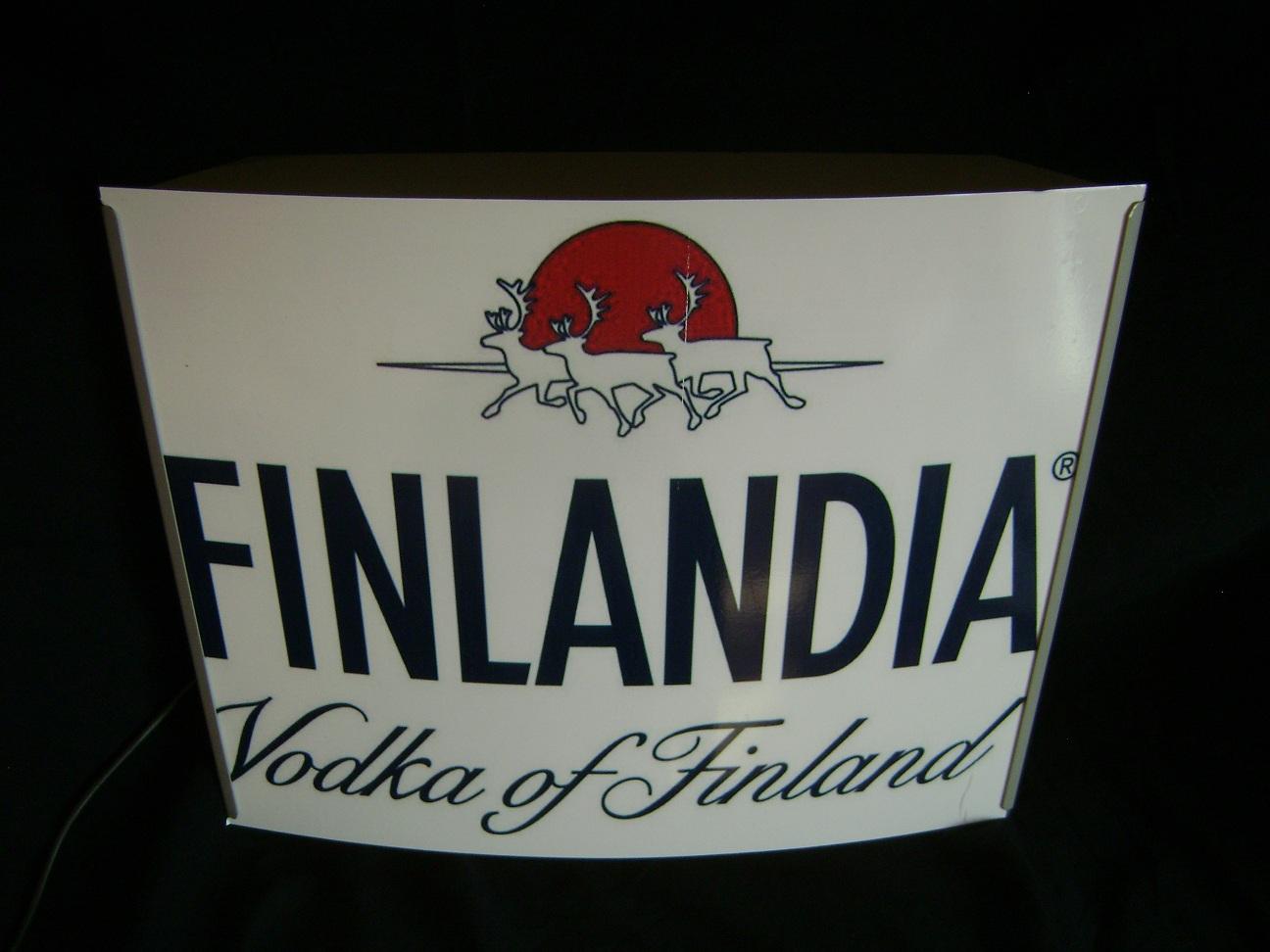 Reklama_svetleca_Finlandia_vodka_4.jpg