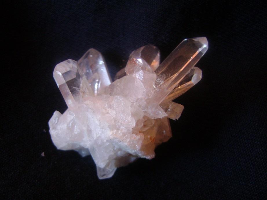 Kvarc_kristal_1.JPG