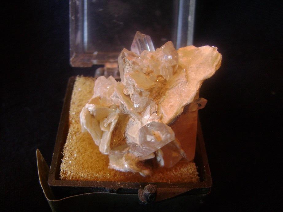 Kvarcni_kristal_1.JPG