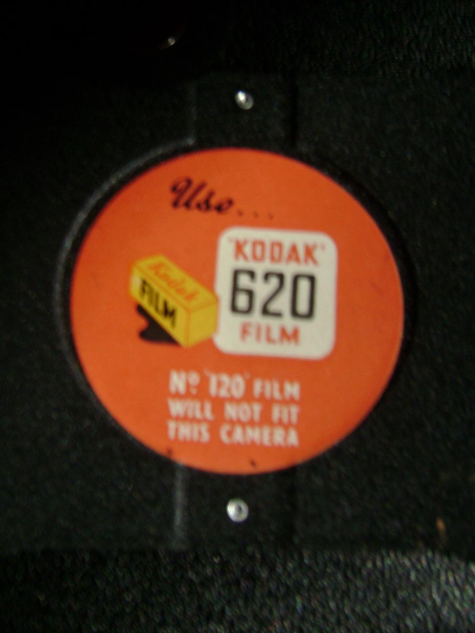 Kamera_Kodak_Six-20_Brownie_E_6.JPG