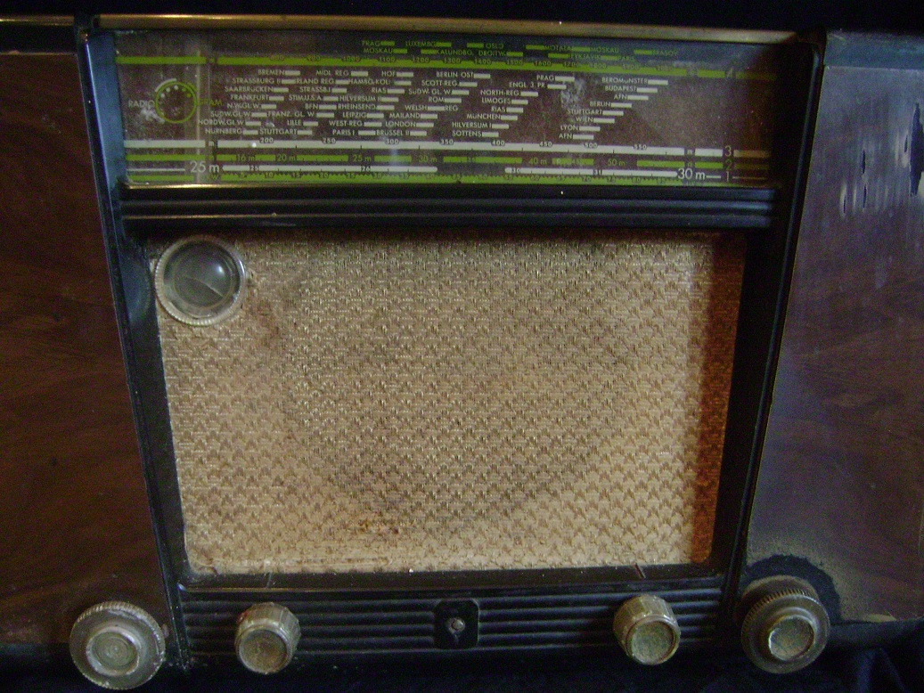 Philips_Sirius_radio_3.JPG