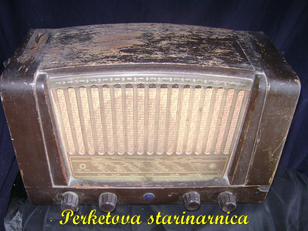 Tesla_53E_stari_radio_2.jpg