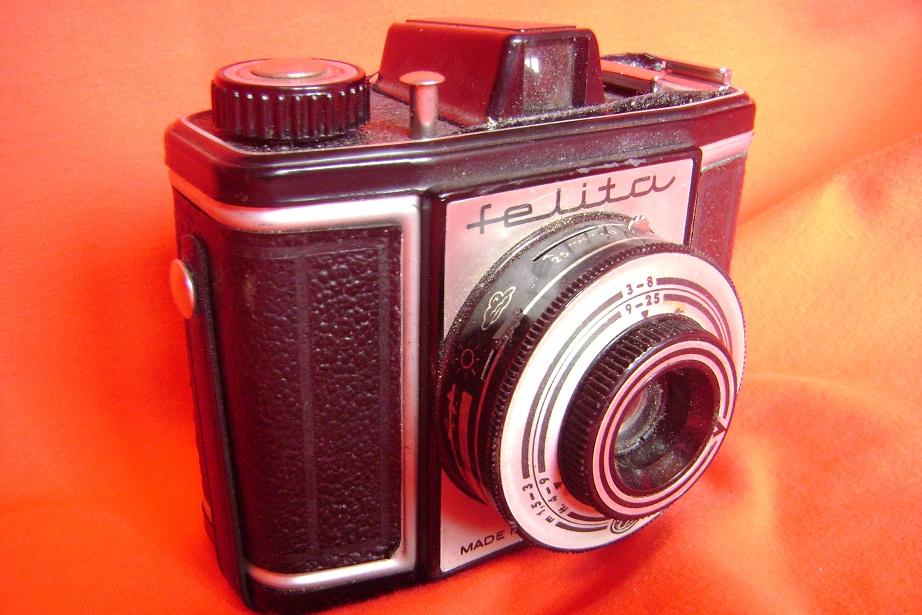 FELITA_FOTOAPARAT_1955_1.JPG